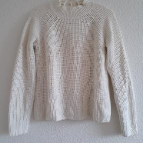 Hvid strikket sweater af mærket cubus 🌸