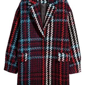 super fed frakke fra h&m. brugt et par timer :) standen er som aldrig brugt! kostede 1000kr.