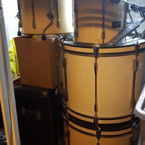 Trommesæt fra Pearl med 2 tama pedaler sælges samlet og afhentes på Amager 1500 kr