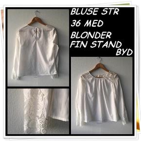 Bluse str 36 med blonder