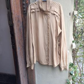 Lækker vintage silkeskjorte.