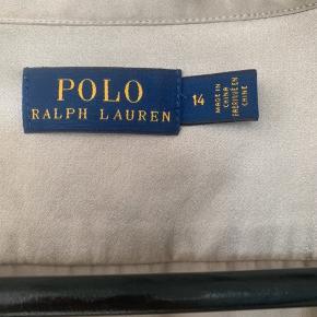 Silke skjorte i smuk farve Nypris 1.800,- Bryst 2x58