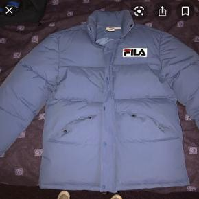 Good condition, warn for one season, keeps VERY warm