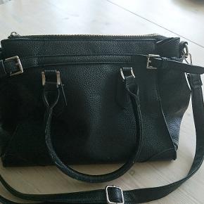 Saint Sulprice taske fra Neye. Både skulder og håndtaske 👜 Stor og rummelig