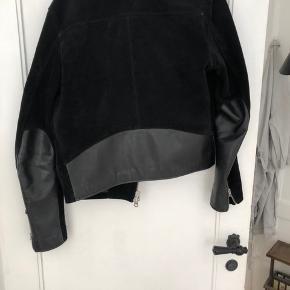 b55dbbe34319 Str. S. 1. Jakke · Unik jakke fra acne i ruskind. Sælges grundet at jeg  simpelhen ikke bruger den som