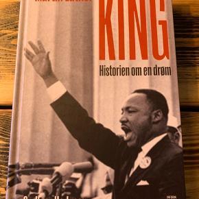 """Godfrey Hodgsons """"Martin Luther King - Historien om en drøm"""". Aldrig været åbnet, perfekt stand Hardback udgave om den afroamerikanske præst og borgerretsforkæmper Martin Luther Kings kamp om frihed og lighed i USA"""