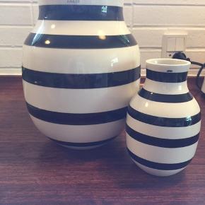 2 stk vaser. 20 og 15 cm. Ingen skår eller ridser. Sælges helst samlet🍀