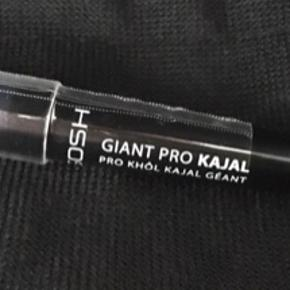⭐️Gosh makeup - Pr stk 25 kr ⭐️  -Infinity eyeliner, waterproof  (006 ash)  -Infinity eyeliner, waterproof (005 Ocean) -Eye xpression (003 Urban nature) -Giant pro kajal (black)  Stadig i emballagen.   😊  Pris 25 kr + fragt🙂
