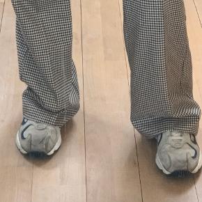 Helt nye mango bukser men prismærke😊
