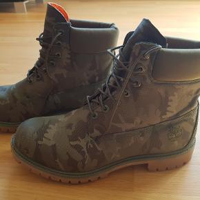 Her er muligheden for, at få nogle meget billige kvalitets støvler.. Ny prisen er 1700 kr..