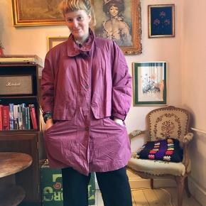 Vintage jakke. Oversize. Købt i Berlin. Har ret flot for 💜