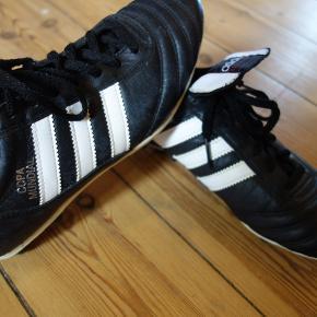 Fodboldstøvler, Adidas Copa Mundial , Adidas, str. 39 1/3  Den klassiske fodboldstøvle Copa Mundial i rigtig lækkert kængurulæder. Næsten ikke brugt.