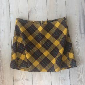 Zara checkered skirt. Super cute and great for summer! Check out my other listings for a bundle discount!
