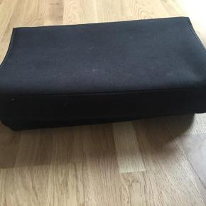 Varetype: Brødkasse Størrelse: x Farve: Sort  Sender gerne på købers regning :)