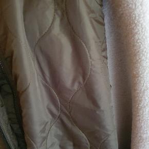 Jeg har en jakke i str 48 og en i str. 50