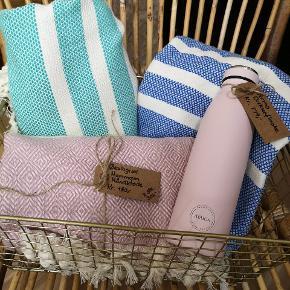 De skønne hammamhåndklæder fås i flere farver og mønstre.  Måler 100 *180cm  Pris 160kr  Spørg endelig for flere billeder og farvemuligheder.  Ved TS pålægges et mindre gebyr til prisen  Sender gerne