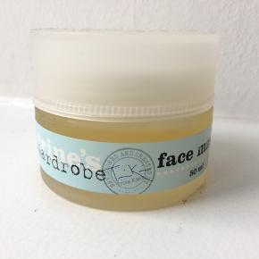 50 ml face mask fra Trine's Wardrobe. Uden parabener og parfume. Næsten ikke brugt.