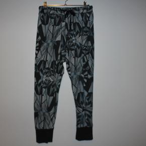 Tusnelda Bloch bukser
