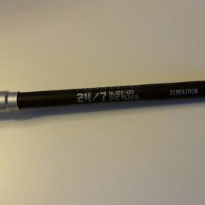 demolition 24/7 glide on eye pencil  . Nypris 160kr.   Øjenskygge sælges i anden annonce