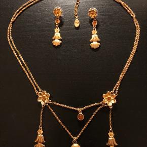 Halskæde og øreringe. Købt i British Museum. Pris ekskl. fragt.
