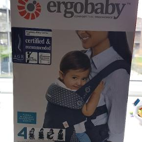 ERGO BABY - Rigtig god bæresele med 4 forskellige muligheder/positioner. Helt ny, aldrig brugt. Ny pris 1199,-