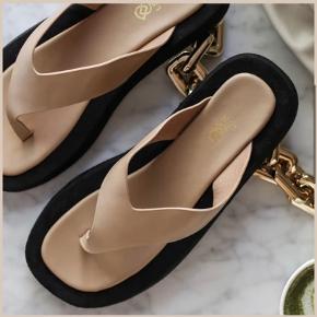 Ducie sandaler