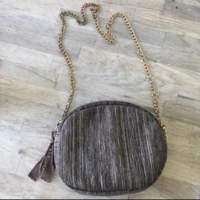 Sælger denne taske fra pico