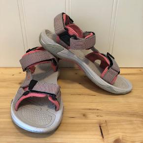 CMP sandaler