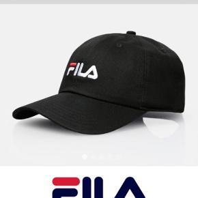 Helt ny, ALDRIG brugt, Fila Cap.  Kan bruges unisex  Nypris: 290 kr