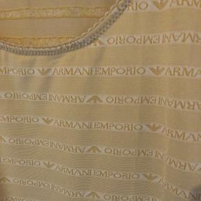 Vintage Armani Emporio underwear trøje i gullig sand farve str M Aldrig brugt  Ægtehedsbevis haves Stretchy materiale