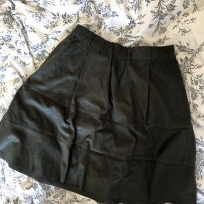 Fin nederdel Blødt stof Perfekt stand