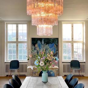 Smukkeste Muranolampe lysekrone i mundblæst Rosa  glas tuber på kromramme.  48 glas tuber 🌸  Skriv gerne for mere info.   Sender gerne 📦