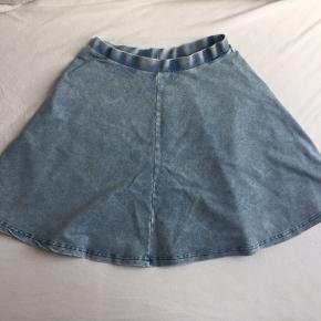 Denim nederdel fra Topshop med elastik i taljen 😊
