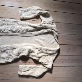 Rar oversize efterårs-cardigan, 100% bomuld. Der står xs i label, men vil også passe op til L/40.