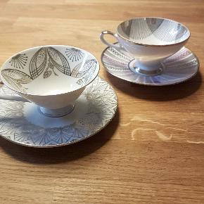 To fine kaffekopper med underkopper fra hhv. Zeh Scherzer og Winterling Röslau fra Bavaria Tyskland.  80 kr. samlet. Har bare stået til pynt.  Kan afhentes på Nørrebro.