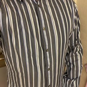 Tiger of Sweden skjorte