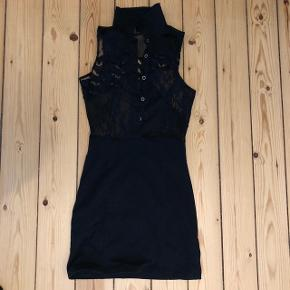 Fin sort kjole LBD fitter xs og small
