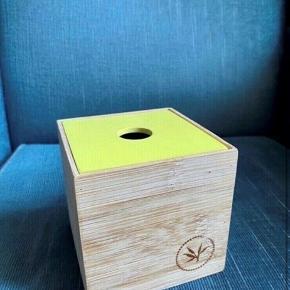 Træ æske kasse 10*10*10  - fast pris -køb 4 annoncer og den billigste er gratis - kan afhentes på Mimersgade 111 - sender gerne hvis du betaler Porto - mødes ikke andre steder - bytter ikke
