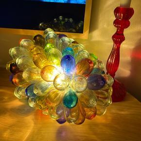 håndblæst lampe fra HAY, kan hænges eller også til et bord.  15x25cm