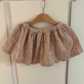 Den fineste nederdel fra Gro. Brugt en del, men stadig i fin stand.  Nypris: 300 kr
