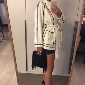 H&M studio: veste mise une fois