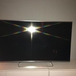 Panasonic VIERA TX 50AS650E - 50-3D LED TV - Smart TV   This TV from Panasonic has a sophisticated design in brushed aluminium.   It features technologies such as Brilliant Contrast 1080p Pure Direct, my Stream, 3D, Bluetooth, TV Anywhere, and Remote Sharing.