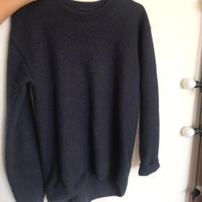 Lækker sweater fra Won Hundred, bruges bare ikke 💛
