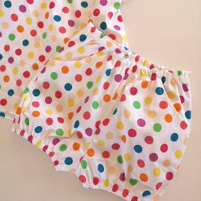 Hjemmesyet sæt str. 92  T-shirt og bloomers / shorts  Nyt mønster jeg har prøvet, så der kan forekomme lidt skønhedsfejl 🙈😄🌸