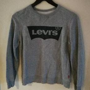 Pæn Levi's sweatshirt. Fra ikke ryger hjem og har ikke været i tørretumbler. Str 12 år.