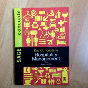 Sælger mine studiebøger til den internationale serviceøkonom uddannelse. Alle bøger er i perfekt stand Se mine andre annoncer for billeder