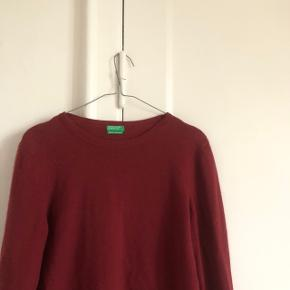 Fin sweater fra benneton i str medium, brugt få gange byd