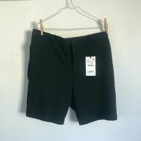 [Køb 2 og få den tredje gratis, samt betal kun 37 kr samlet for fragt]  Zara Shorts - Aldrig brugt!  [Fjernes d. 15/9]