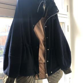 Sælger min jakke fra ganni, da jeg ikke får den brugt!