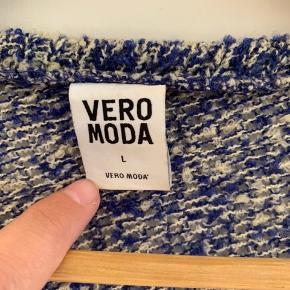 Bluse / Cardigan   Str: L  Mærke: Vera Moda  Sender gerne, køber betaler for porto.  Vægt: 337g Porto: 39kr med Dao